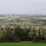 Blick über Bornheim zur Zeit der Obstblüte